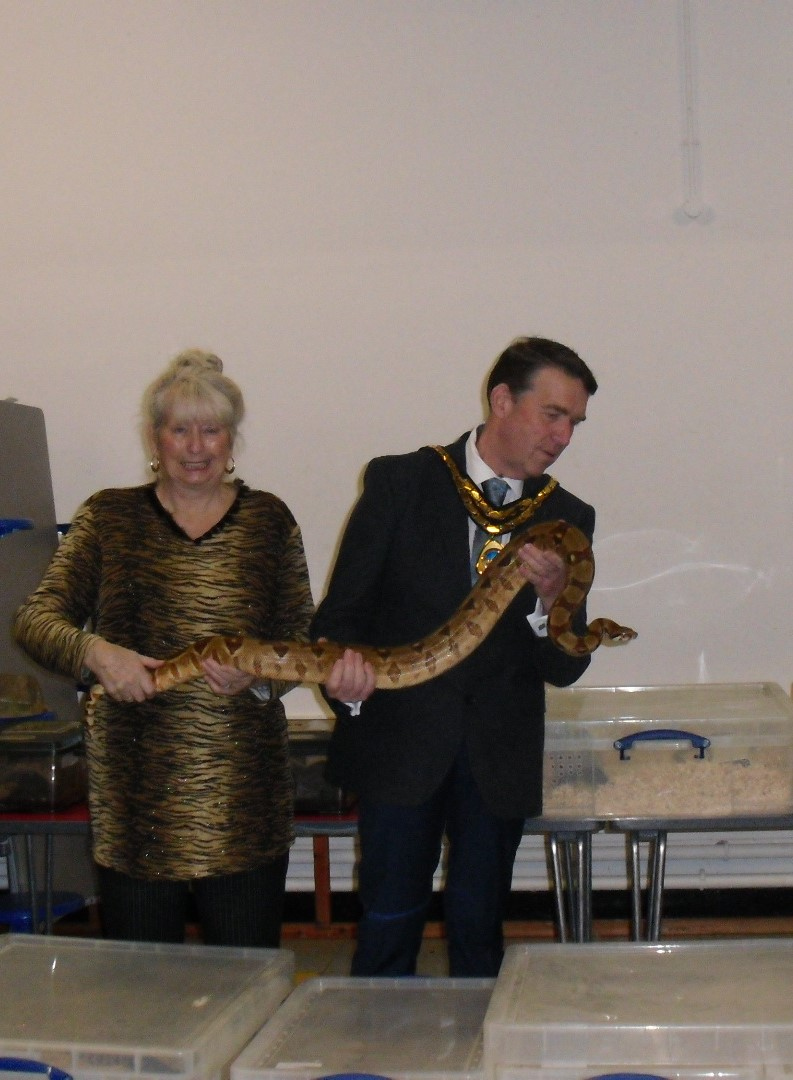 Mayor with live Snake